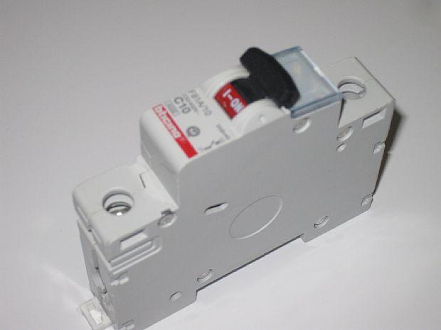 Interruttori Magnetotermici Bticino F81/25